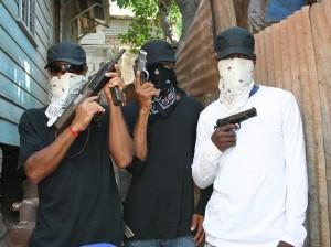 1768063_three-gangsters_jj5prhncp45p4yqnw6pljvus74oxpy7q62c4u66siw3t6qwph3oq_757x567